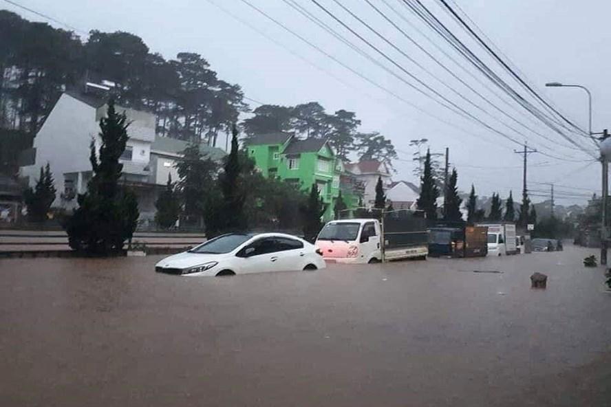 Nội đô TP Đà Lạt bị ngập nặng.