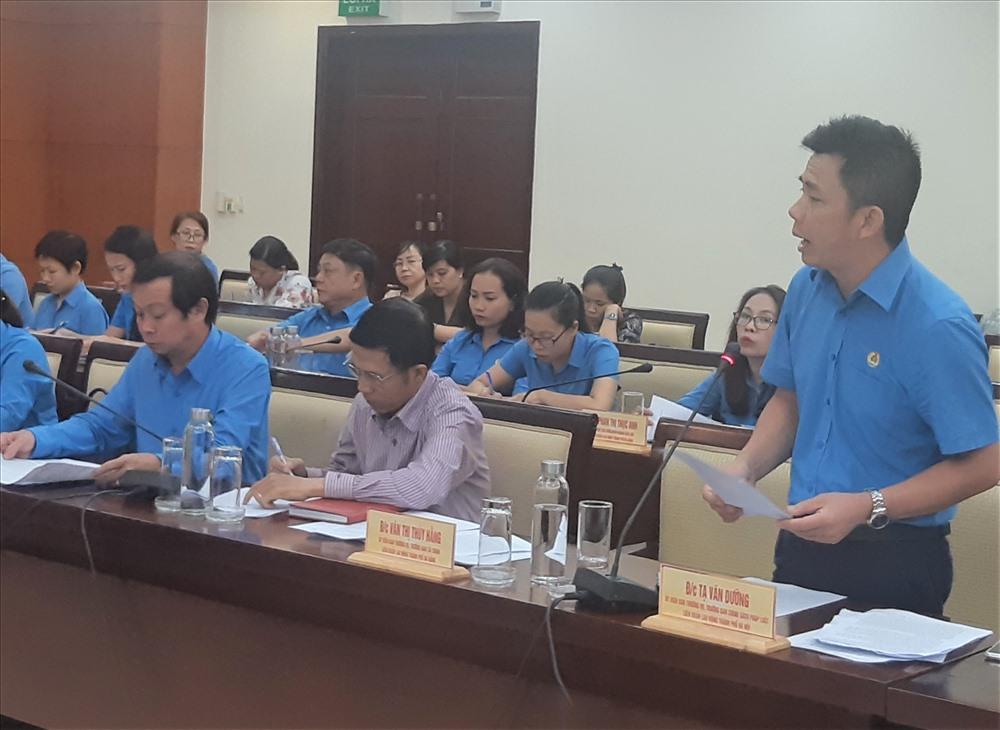 Ông Tạ Văn Dưỡng: Công tác tuyên truyền ATVSLĐ rất quan trọng trong phòng ngừa rủi ro về TNLĐ. Ảnh Nam Dương