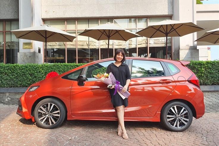 Sếp thưởng ôtô cho nhân viên xuất sắc