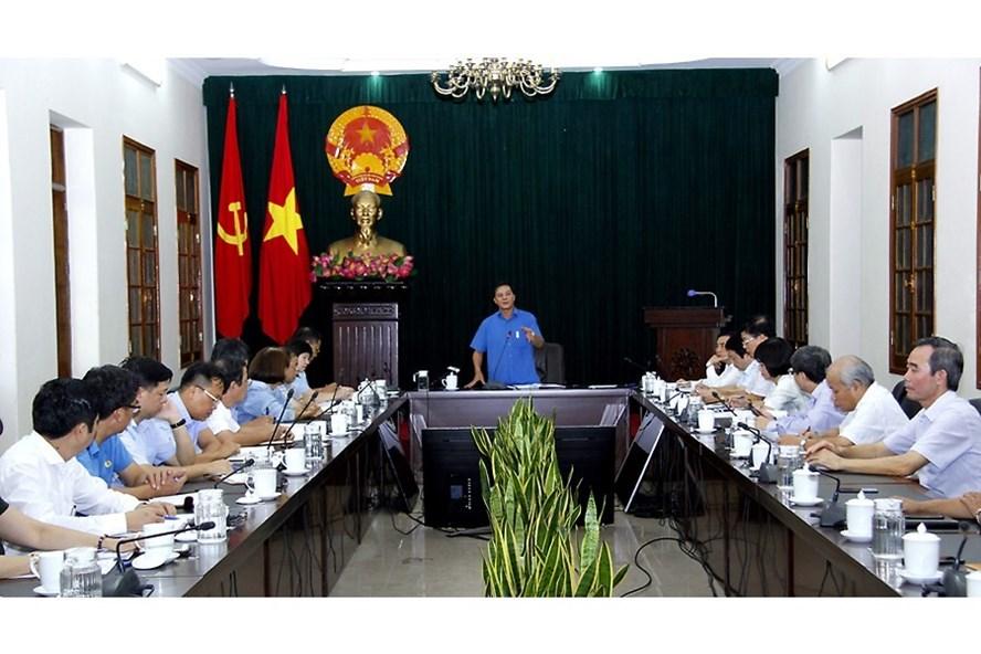 Ông Nguyễn Văn Tùng, Chủ tịch UBND thành phố Hải Phòng chủ trì cuộc họp giải quyết những vướng mắc tại Công ty TNHH Kaiyang Việt Nam ngày 30.8. Ảnh: Cổng thông tin điện tử Hải Phòng.
