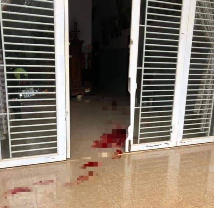 Vết máu tại hiện trường.