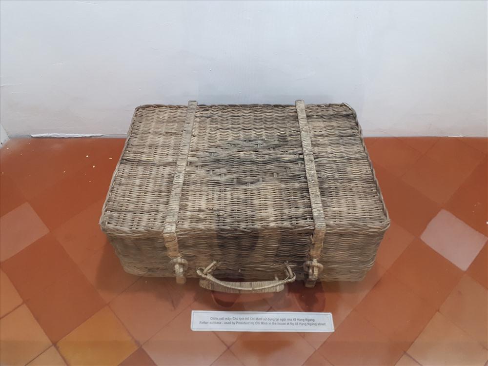 Chiếc vali mây - Chủ tịch Hồ Chí Minh sử dụng tại ngôi nhà 48 Hàng Ngang.