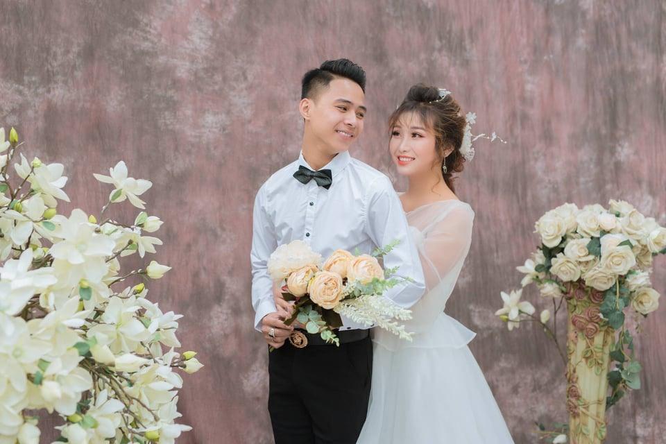 Anh Đào Duy Cường và vợ. Ảnh: NVCC