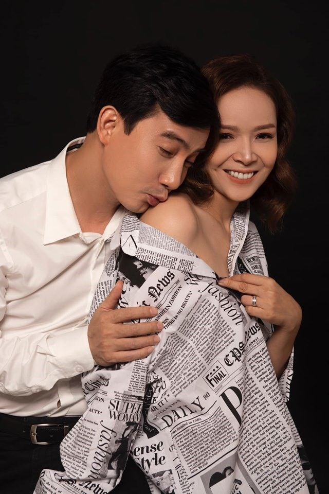 Vợ chồng Hồng Quang - Diễm Hương tung bộ ảnh ngọt ngào kỉ niệm 5 năm ngày cưới. Ảnh: FBNV.