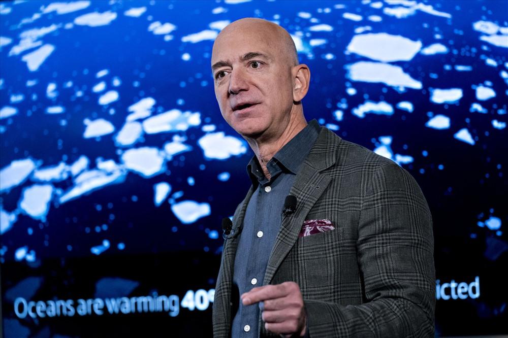 """Khi được hỏi về chiếc xe này trong chương trình TV 60 Phút, Bezos cho biết: """"Đó là một chiếc xe cực kỳ tốt"""". Vào năm ấy, giá bán lẻ của chiếc xe này là 17.890 USD. Ảnh: Getty"""