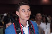 """Sau Mister Việt Nam, Quán quân Phạm Minh Quyền """"choáng"""" vì tin nhắn gạ tình"""