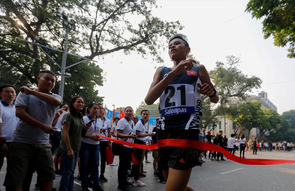 Kết thúc giải, Ban tổ chức đã trao các giải cho các cho các vận động viên đạt thành tích cao ở các cự ly.