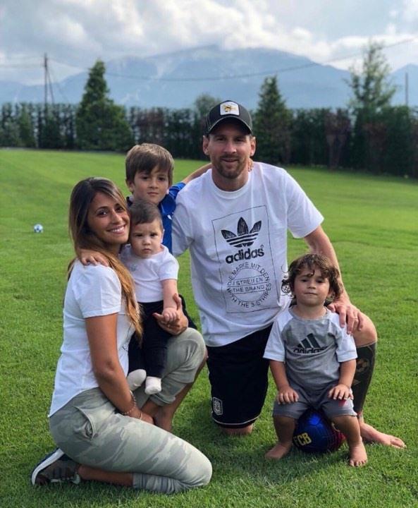 Gia đình của Messi. Ảnh: Instagram