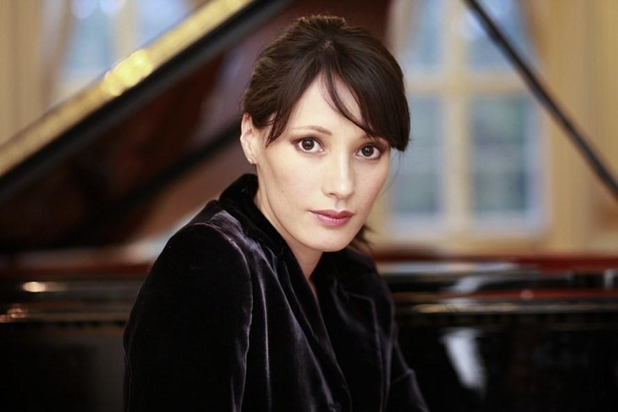 Nữ nghệ sĩ piano người Pháp gốc Việt - Kim Barbier. Ảnh: BTC