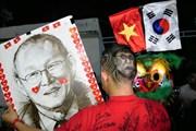 Việt Nam vs Thái Lan: CĐV biến hình đi cổ vũ cho thầy trò Park Hang-seo