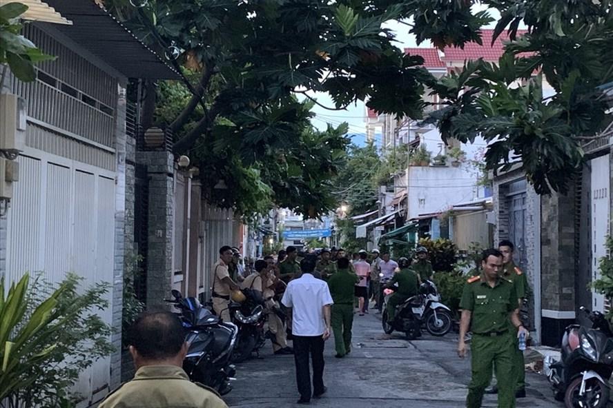 Hiện trường buổi kiểm tra của công an tại gia đình ông Trần Quang Sáu
