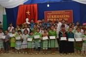Công đoàn Đường sắt Việt Nam trao quà cho học sinh vùng sâu, vùng xa