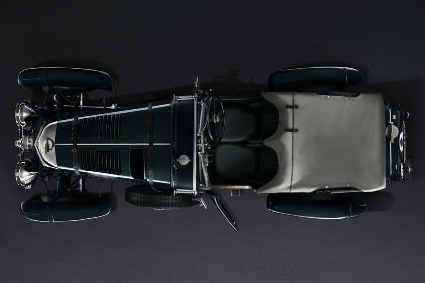 Mẫu xe Mẫu Bentley Blower dự kiến được Bentley tái sản xuất, về cơ bản nó giống hệt với phiên bản ra đời cách đây 90 năm. Ảnh: Bentley