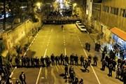 Cảnh sát Iran dùng súng và hơi cay để giải tán người biểu tình