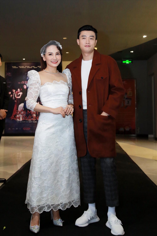 B phim cng ánh du s tr li ca cp i Quc Trng - Bo Thanh. C hai liên tc th hin s thn thit t trong phim ti ngoài i. nh: ABC.