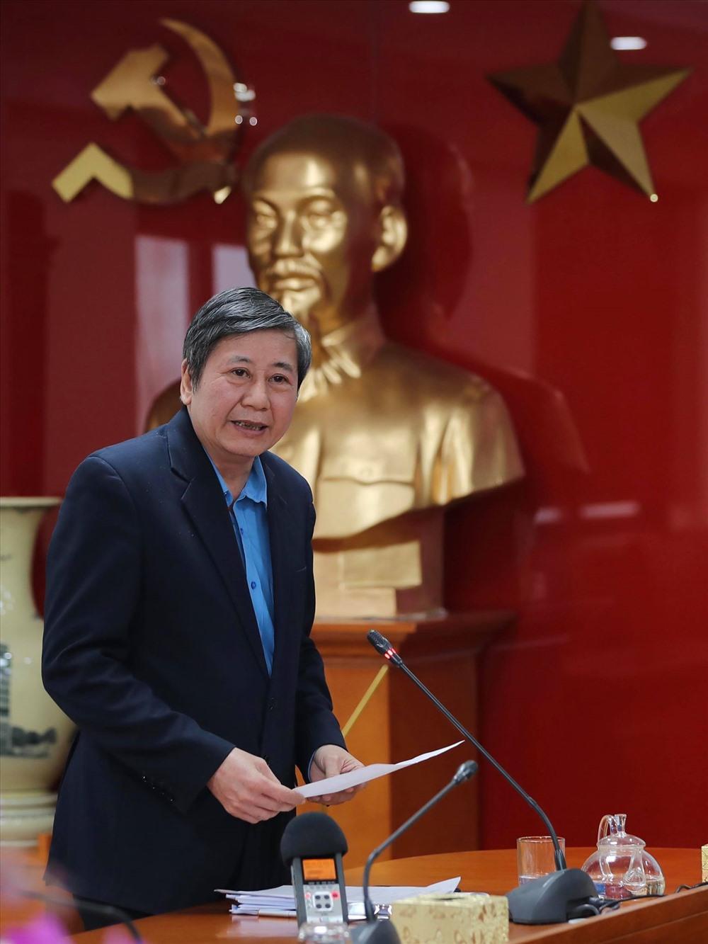 Phó Chủ tịch Thường trực Tổng LĐLĐVN Trần Thanh Hải điều hành hội nghị. Ảnh: Sơn Tùng