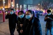 Bán khẩu trang giá trên trời, hiệu thuốc ở Bắc Kinh bị phạt hơn 400.000 USD