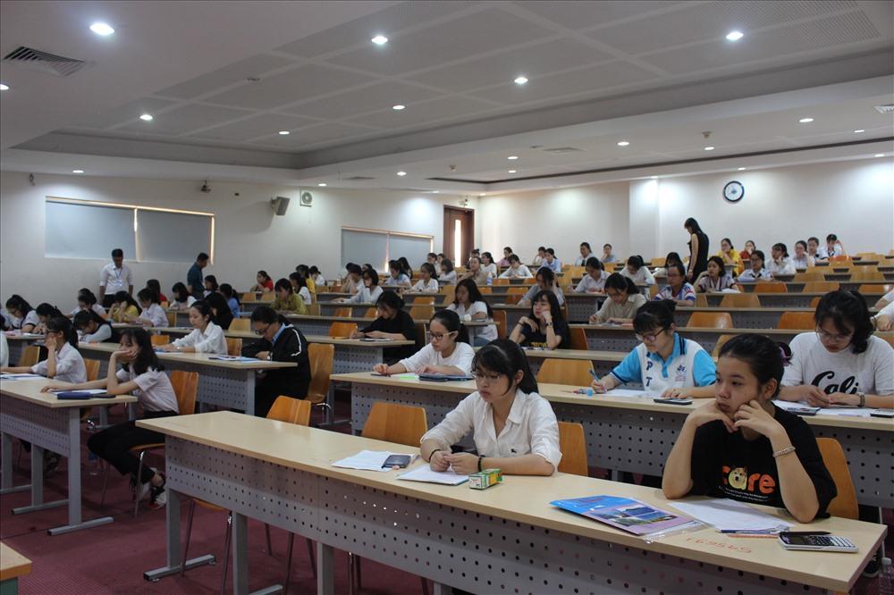 Thí sinh tham gia kỳ thi đánh giá năng lực của ĐHQG-HCM. Ảnh: ĐHQG-HCM