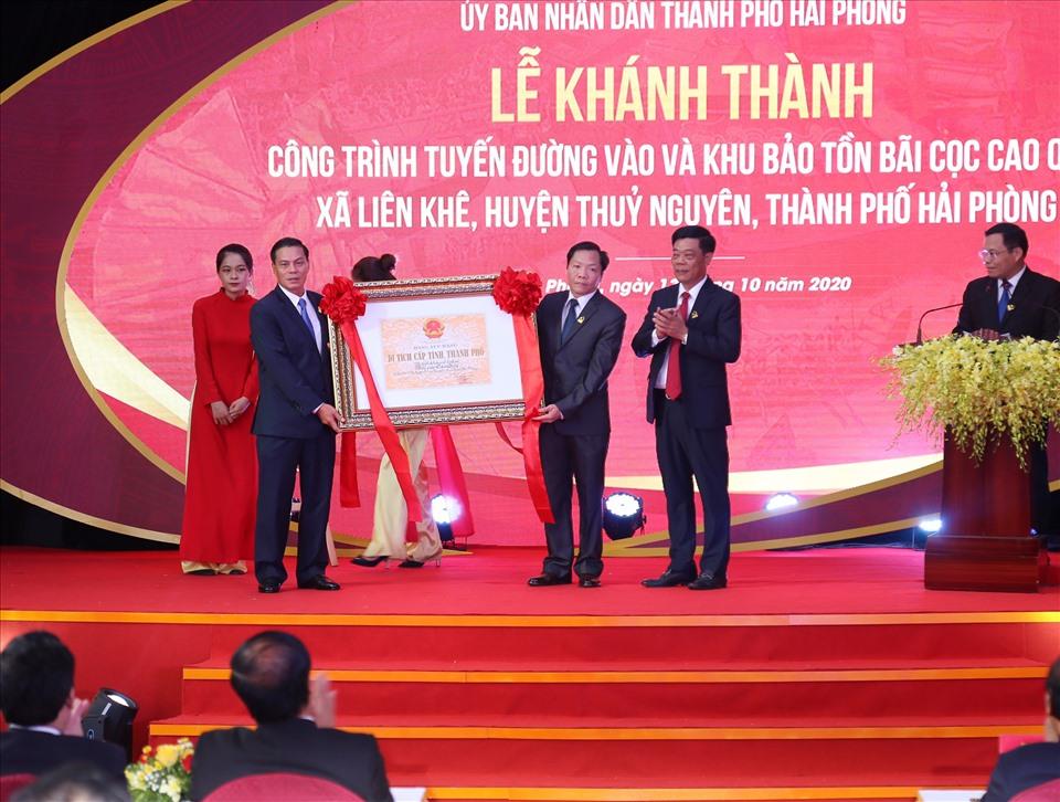 Bãi cọc Cao Quỳ được trao bằng di tích lịch sử cấp thành phố