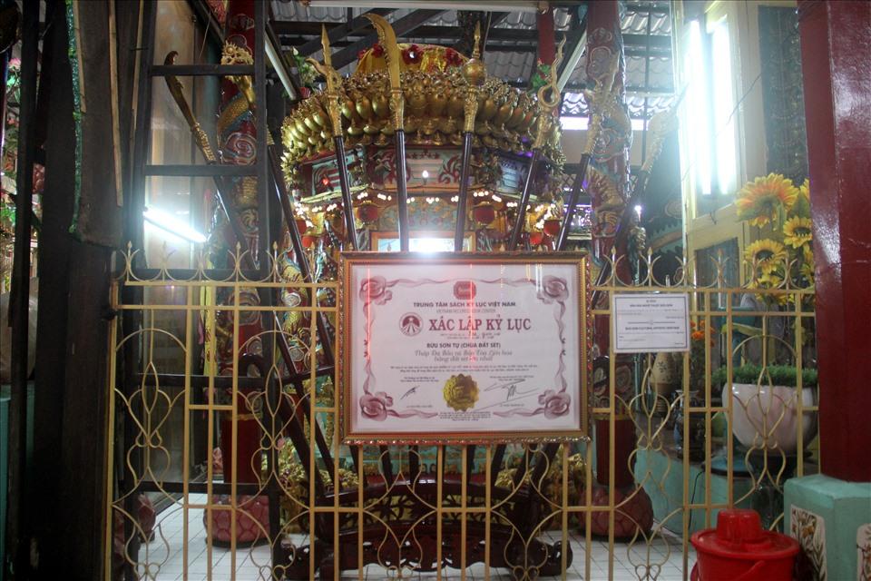Đặc biệt, Tháp Đa Bảo và Bảo Tòa Liên hoa của chùa được tổ chức kỷ lục Việt Nam cộng nhận là kỷ lục Việt Nam Chùa Đất Sét được xem là một trong những công trình kiến trúc nghệ thuật tôn giáo độc đáo, tiêu biểu của các nước nói riêng và Sóc Trăng nói chung.