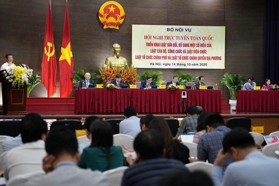 Hội nghị trực tuyến toàn quốc triển khai Luật sửa đổi, bổ sung một số điều của Luật Cán bộ, công chức và Luật Viên chức. Ảnh: Đỗ Trung