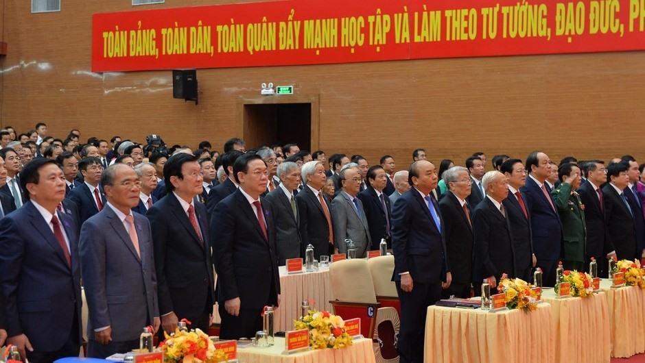 Thủ tướng Nguyễn Xuân Phúc cùng các đại biểu dự Đại hội Đảng bộ tỉnh Nghệ An lần thứ XIX. Ảnh: Thành Cường