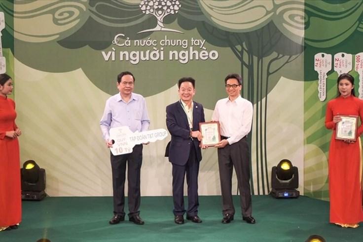 Câu lạc bộ Hà Nội chung tay vì người nghèo