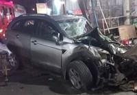 Hiện trường vụ tai nạn 2 ô tô tông nhà dân, 6 người thương vong
