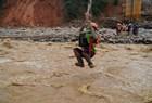 Sạt lở ở Phước Sơn: Công nhân thuỷ điện Đắk Mi 2 đu dây tìm đường ra ngoài