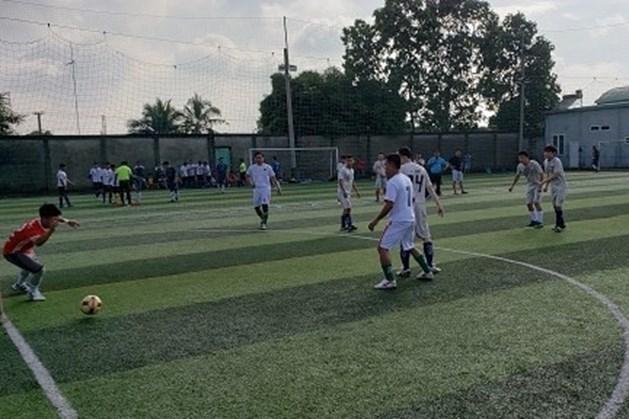 LĐLĐ Thành Phố Thuận An, Bình Dương tổ chức giải bóng đá khuyến khích công nhân lao động viên chức tích cực rèn luyện sức khỏe. Ảnh: Khánh Phong