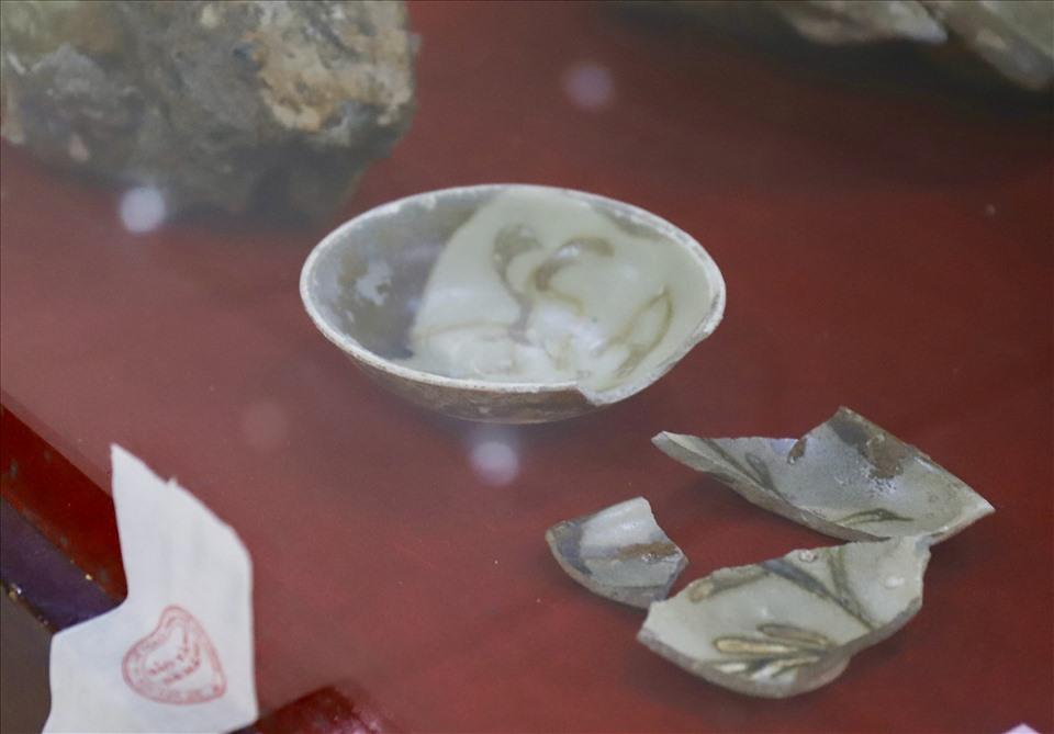 Triển lãm đồ gốm sứ khai quật từ những con tàu cổ diễn ra từ ngày 5.10-25.11 tại Bảo tàng Đà Nẵng. Ảnh: Hữu Long