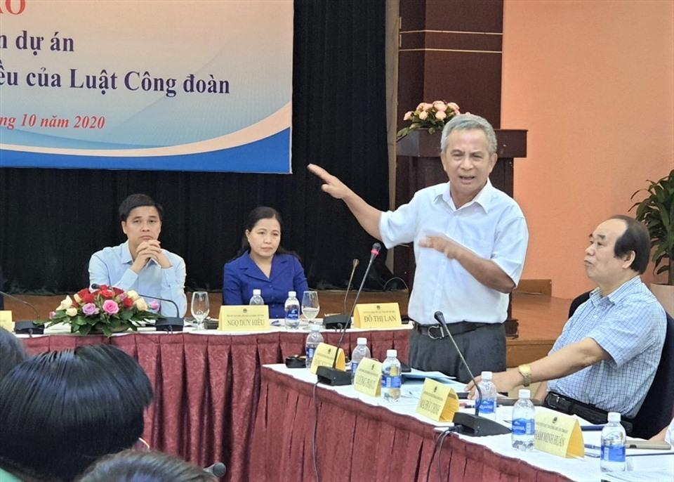 Nguyên Chủ tịch Tổng LĐLĐ Việt Nam phân tích về nguồn gốc thu kinh phí CĐ 2%. Ảnh Nam Dương