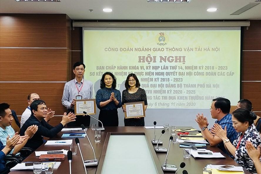 Ban chấp hành Công đoàn ngành Giao thông vận tải Hà Nội khóa VI nhiệm kỳ 2018-2023 kỳ họp thứ 14 có nội dung về triển khai chăm lo Tết nguyên đán Tân Sửu 2021. Ảnh: CĐHN