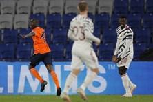 Champions League loạt trận rạng sáng 25.11: Đưa chân vào rắc rối