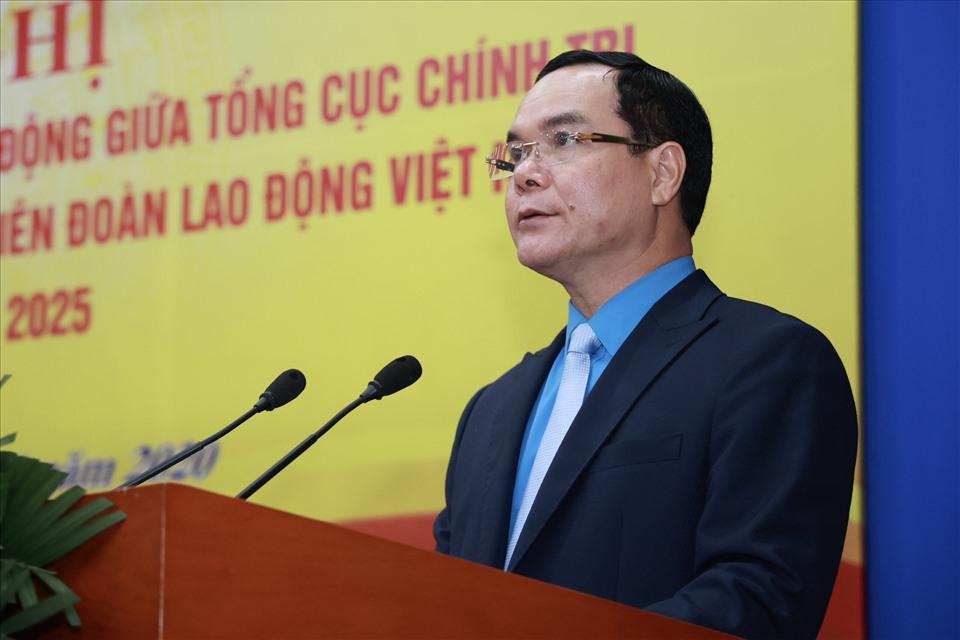 Nguyễn Đình Khang - Uỷ viên TƯ Đảng, Chủ tịch Tổng LĐLĐVN phát biểu tại Chương trình phối hợp hoạt động giữa Tổng cục Chính trị Quân đội nhân dân Việt nam với Tổng LĐLĐVN giai đoạn 2021-2025. Ảnh: Hải Nguyễn