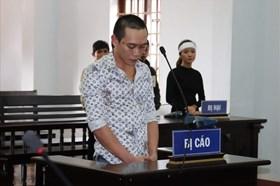 Đối tượng chiếm đoạt 100 triệu đồng vợ nạn nhân Rào Trăng 3 lãnh án tù