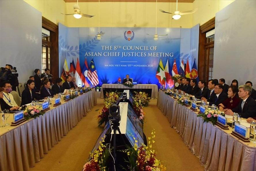 Hội nghị Hội đồng Chánh án ASEAN lần thứ 8 tổ chức tại Hà Nội. Ảnh: V.Dũng.