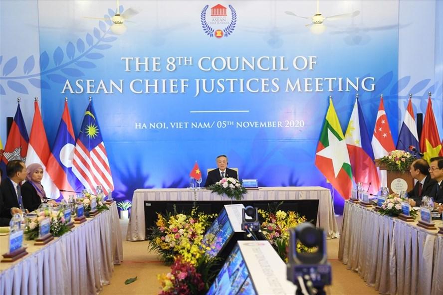 Toàn cảnh Hội nghị Hội đồng Chánh án các nước ASEAN lần thứ 8 tại Hà Nội. Ảnh: V.Dũng.