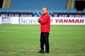 Vừa bị AFC phạt nặng, huấn luyện viên Park Hang-seo lại nhận tin không vui