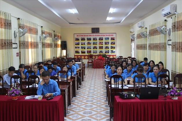 Quang cảnh buổi tuyên truyền học tập và làm theo tư tưởng, đạo đức, phong cách Hồ Chí Minh do LĐLĐ tỉnh Điện Biên tổ chức. Ảnh: G.N