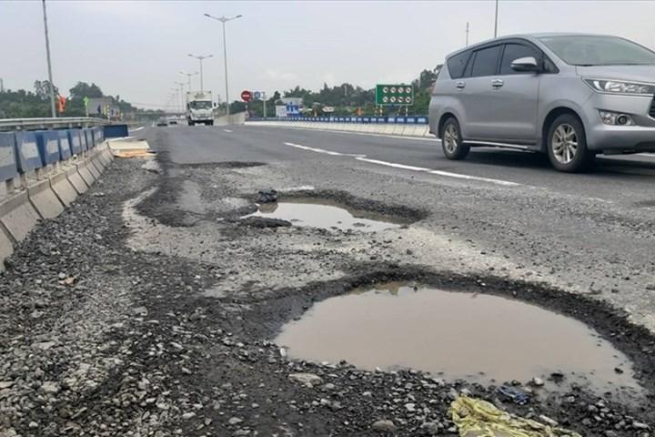 Sai phạm tại cao tốc Đà Nẵng- Quảng Ngãi: Khởi tố thêm 5 đối tượng