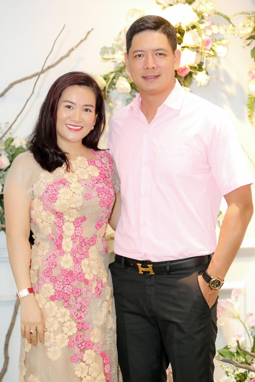 Vợ chồng nam MC Bình Minh cũng