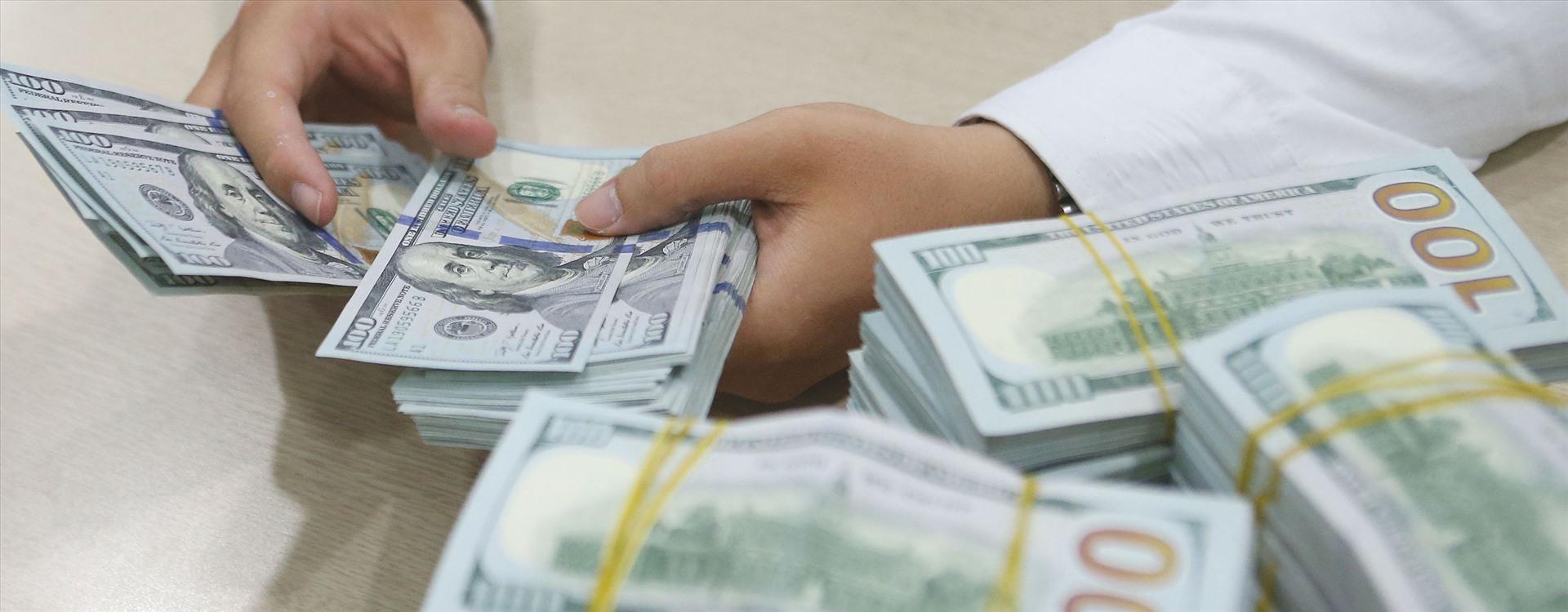 Tỷ giá ngoại tệ 24.2: USD cao chót vót đỉnh 5 tháng, COVID-19 gây lo ngại - xs thứ sáu