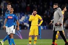 """Messi """"mất tích"""", Barcelona may mắn thoát thua trên sân nhà của Napoli"""