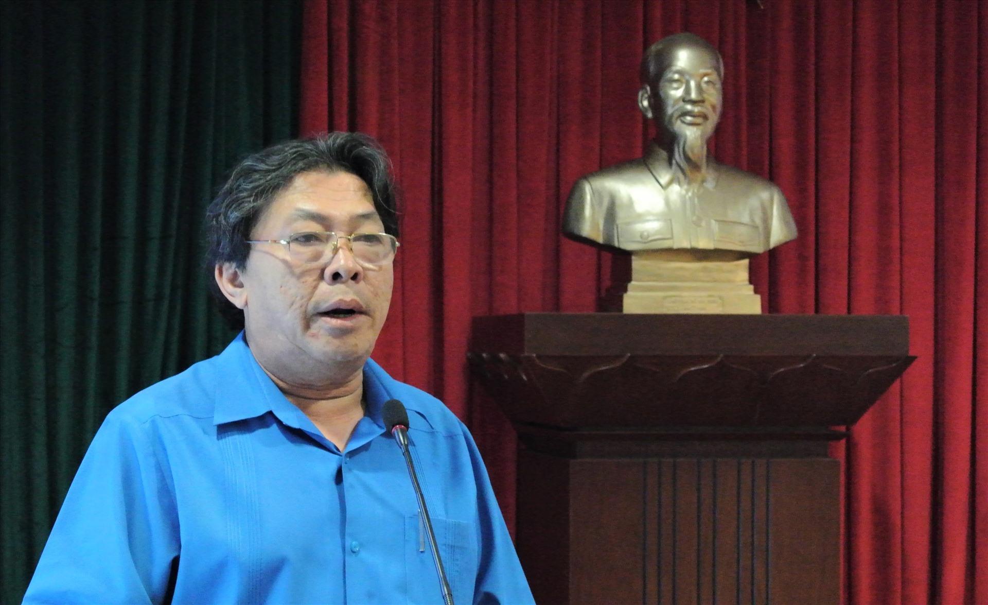 Ông Phan Mạnh Hùng: Cán bộ CĐ Caosu Việt Nam cần phải nắm chắc quy định pháp luật về lao động để bảo vệ quyền lợi của người lao động. Ảnh Nam Dương