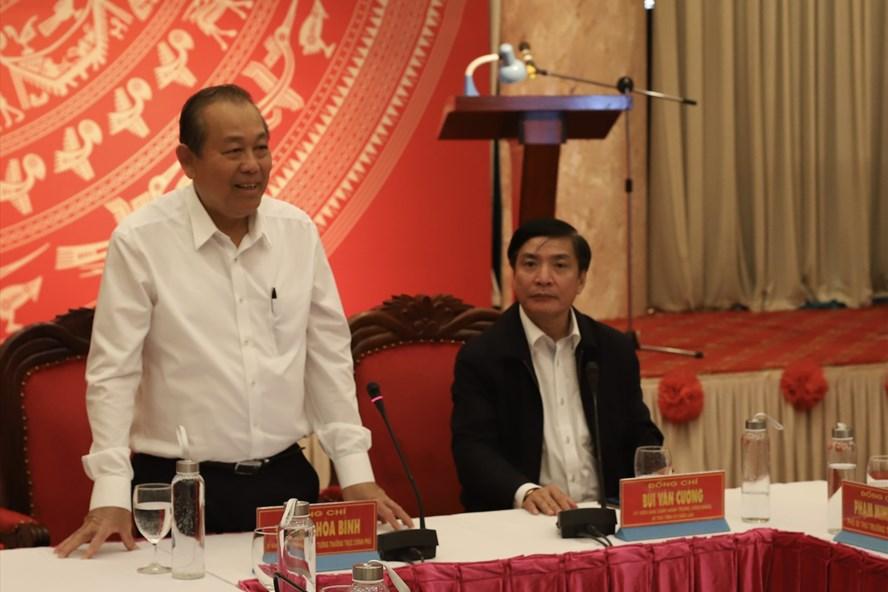 Phó Thủ tướng Thường trực Trương Hòa Bình phát biểu tại buổi làm việc. Ảnh: HL