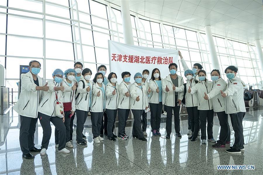 Xúc động cảnh nhân viên y tế rời Hồ Bắc sau khi hoàn thành sứ mệnh - 7
