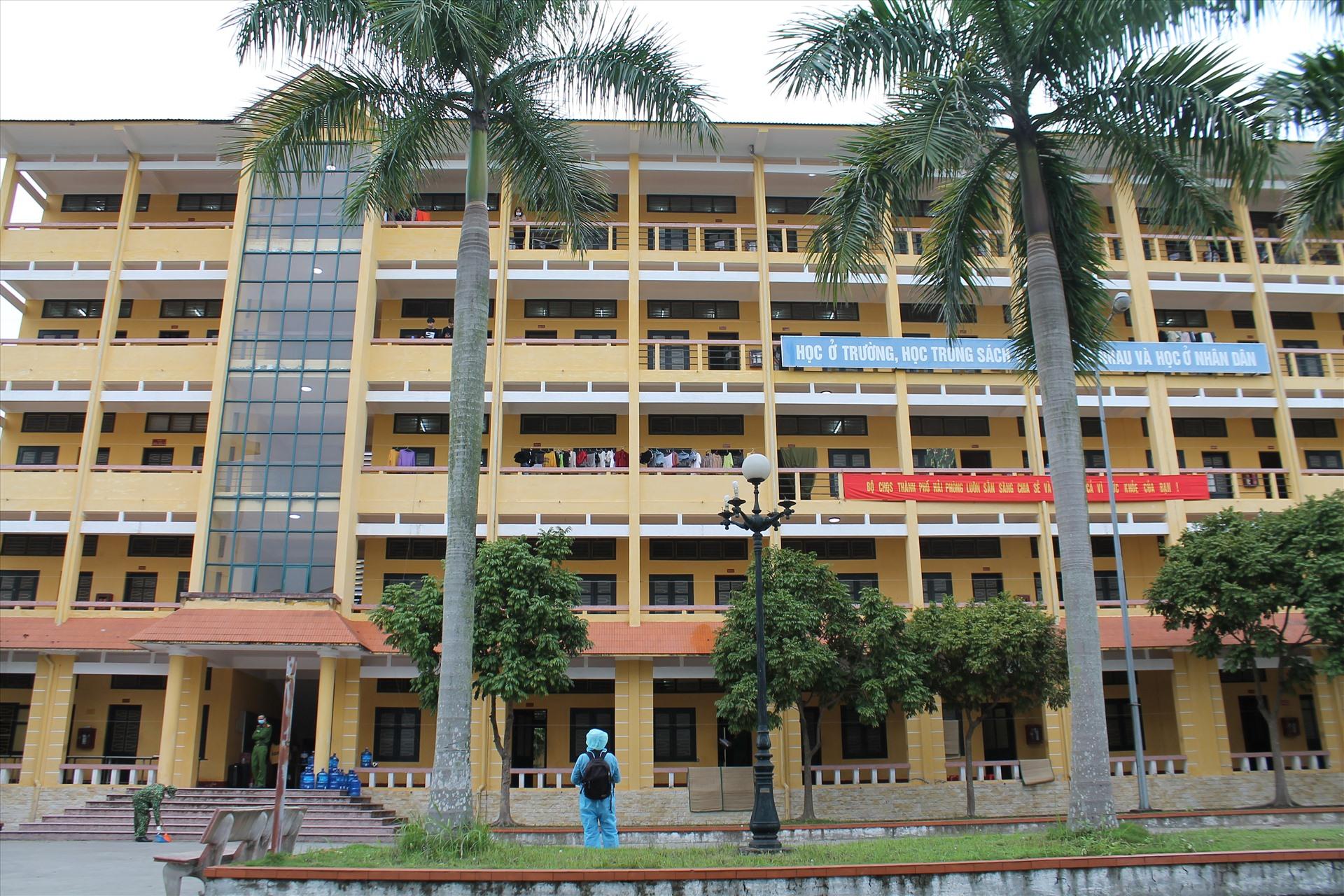 Khu cách ly tập trung tại Trường ĐH Hải Phòng. Ảnh Mai Dung