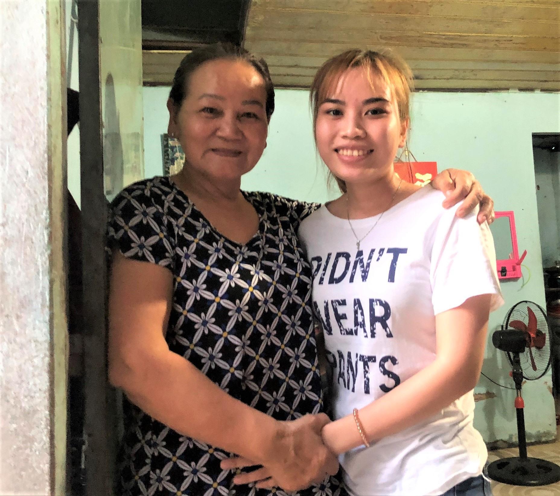 Từ tháng 4.2020, bà Trần Thị Nhàn, chủ nhà trọ ở 333/23 và 333/25 đường Tây Thạnh, sẽ giảm 50% tiền thuê nhà cho người ở trọ. Ảnh Thu Hà