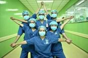 Xúc động thông điệp y bác sĩ cả nước kêu gọi chung tay chống COVID-19